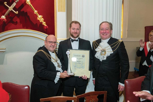 DS Joby Reeve receives award